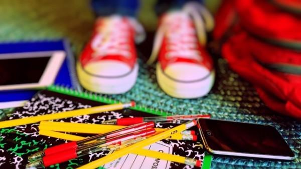 Emploi étudiant etudes crayons